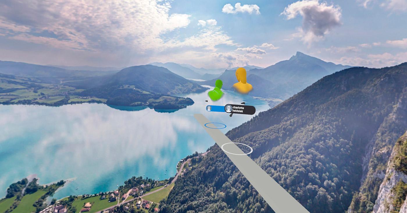 Charlotte Heidsiek wagt sich virtuell in schwindelerregender Höhe auf ein schmales Brett, das über einen wunderschönen See, eingebettet in eine Berglandschaft, ragt.